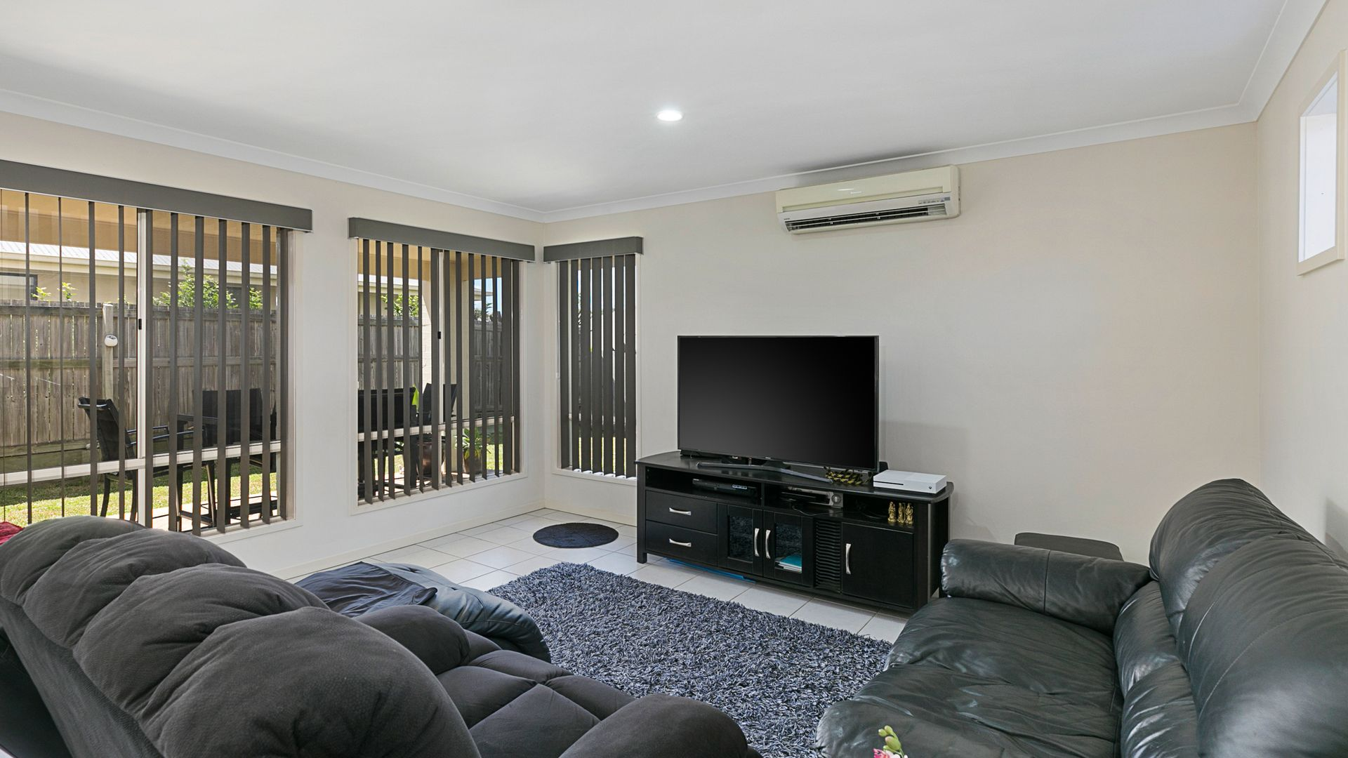44 Williams Street, Wakerley QLD 4154, Image 2