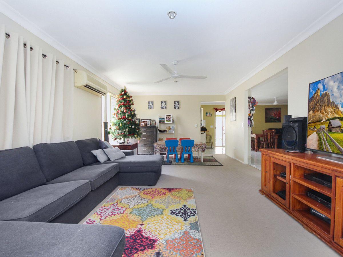 12 Challenger Avenue, Flinders View QLD 4305, Image 2