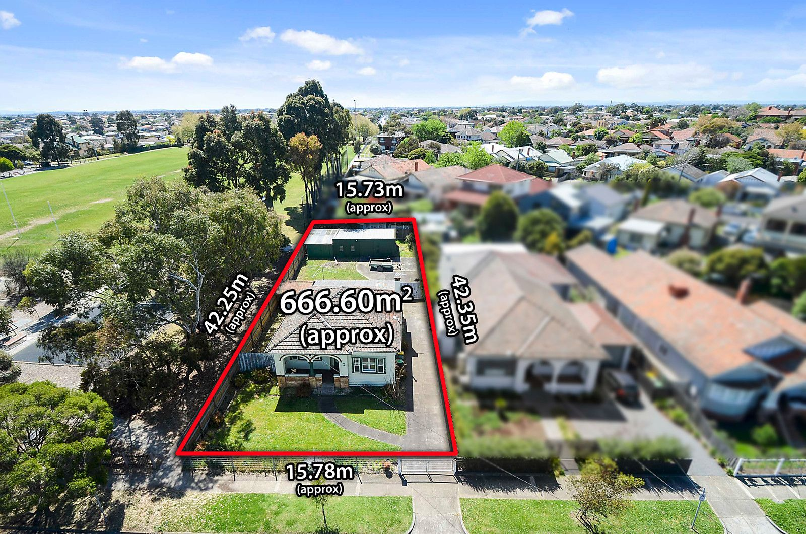 10 Woodlands Avenue, Pascoe Vale South VIC 3044, Image 2