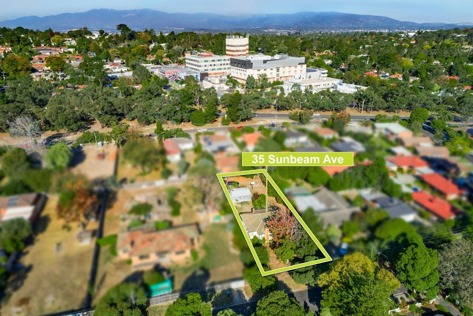 35 Sunbeam Avenue, Ringwood East VIC 3135, Image 2