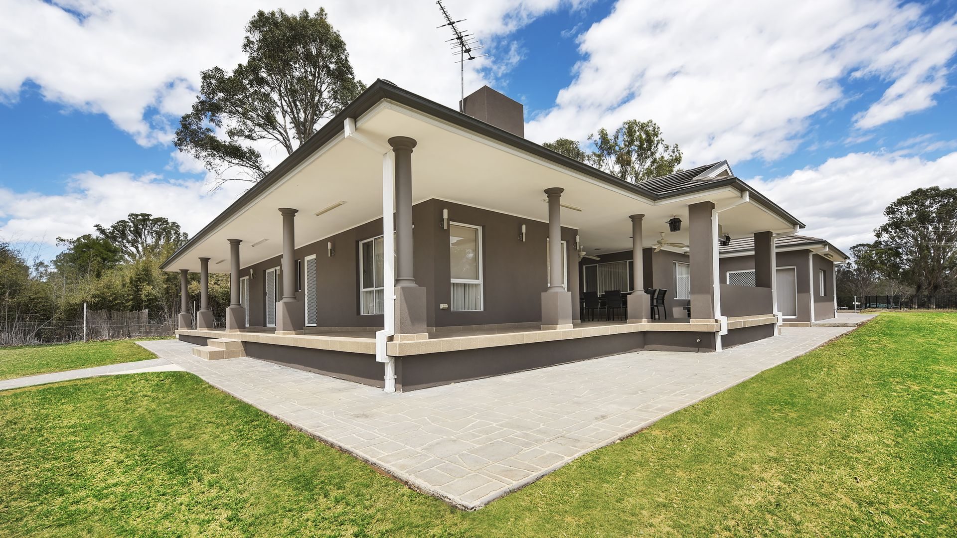 154 Barry Avenue, Catherine Field NSW 2557, Image 2