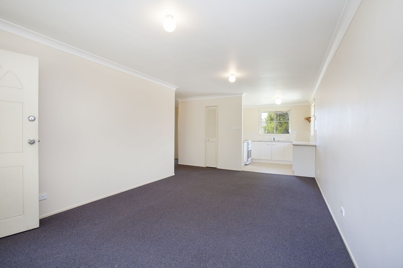 4/12 Proserpine Close, Ashtonfield NSW 2323, Image 2