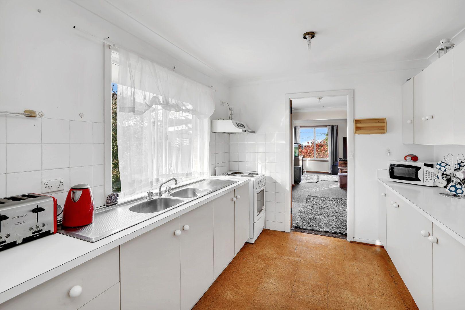 82 Barton Street, Katoomba NSW 2780, Image 1
