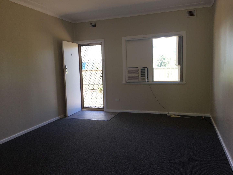 2/9 Campbell Street, Narrabri NSW 2390, Image 2