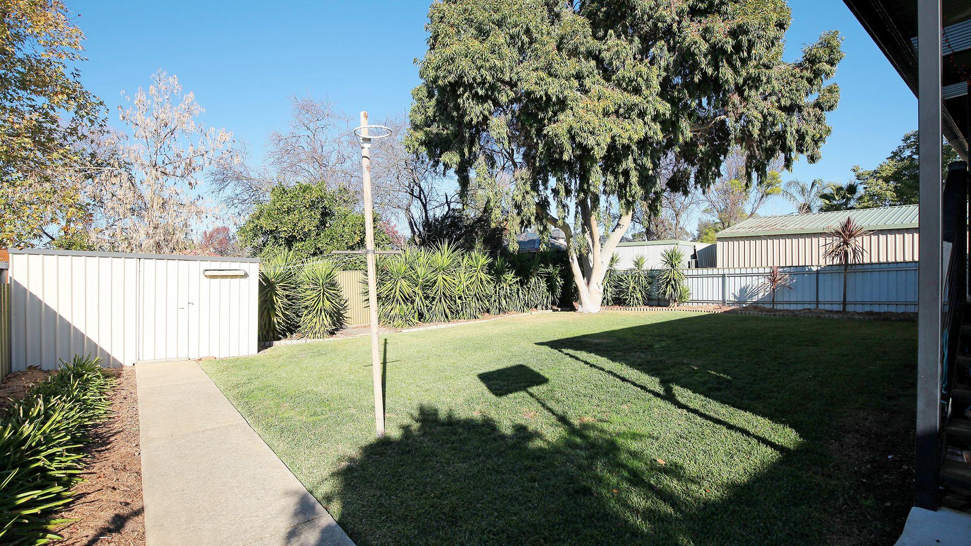 8 Stanley Street, Kooringal NSW 2650, Image 10