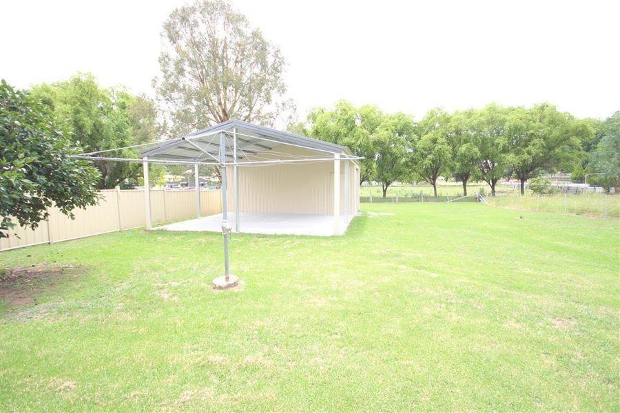 146 Bulwer Street, Tenterfield NSW 2372, Image 2