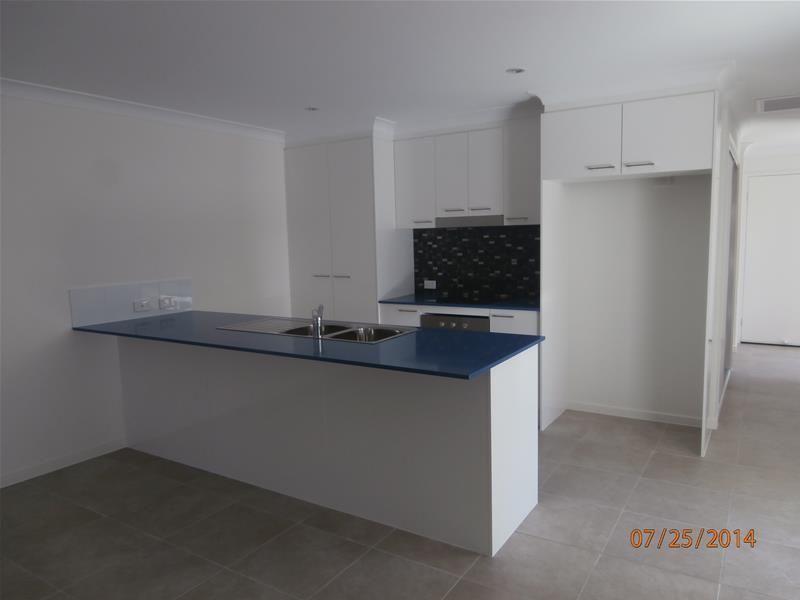 1/12 Hurse Street, Chinchilla QLD 4413, Image 2