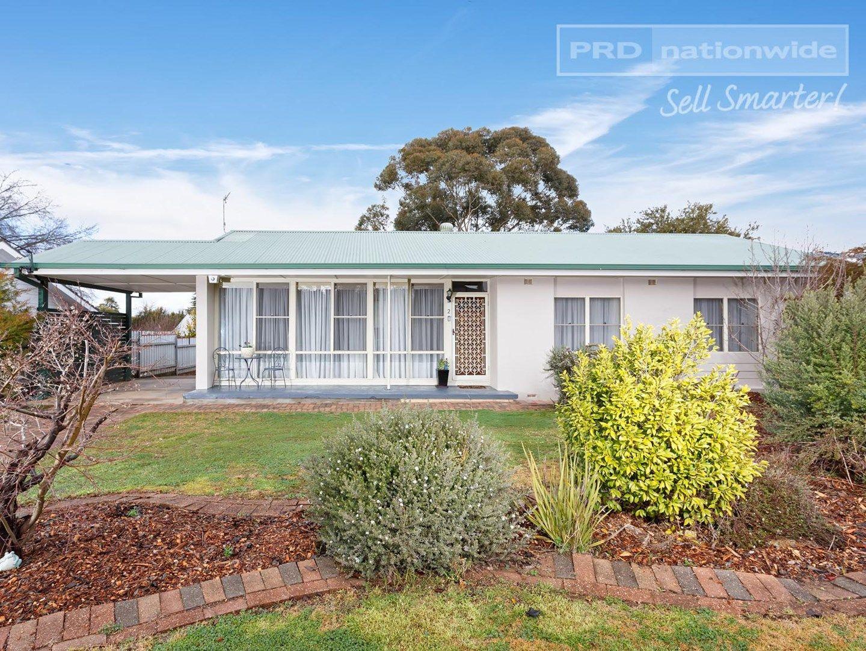2 Cook Street, Kooringal NSW 2650, Image 0