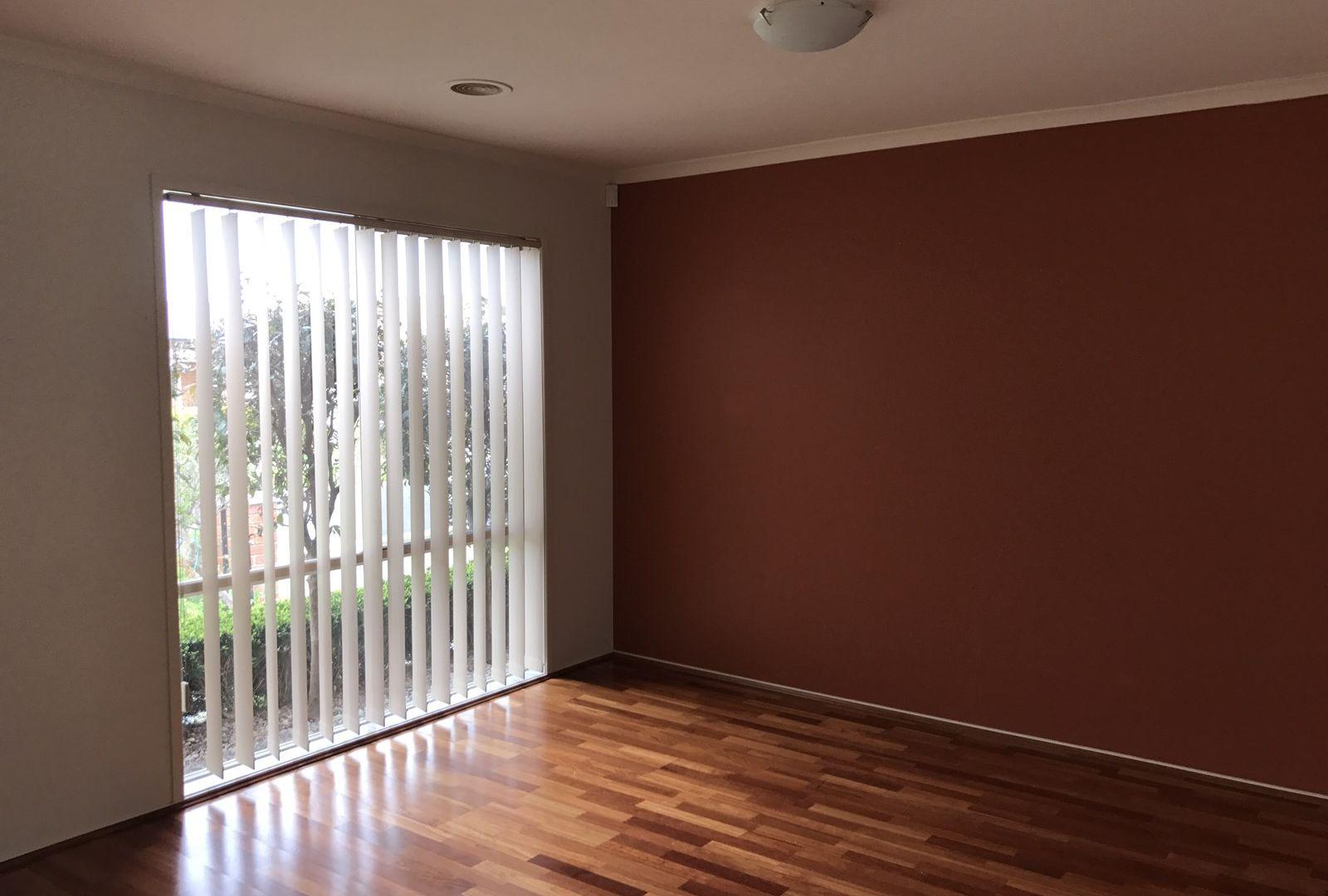 16 Kingston Avenue, Narre Warren South VIC 3805, Image 2