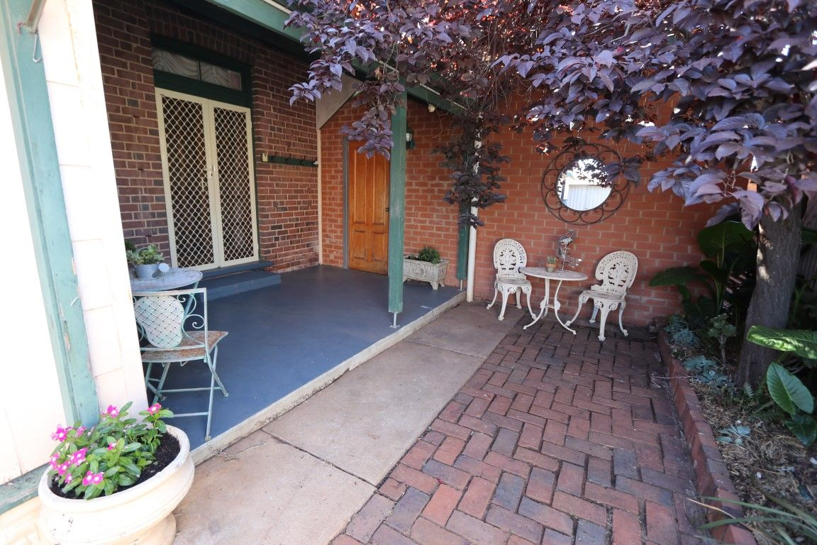 142 Aurora Street, Temora NSW 2666, Image 1