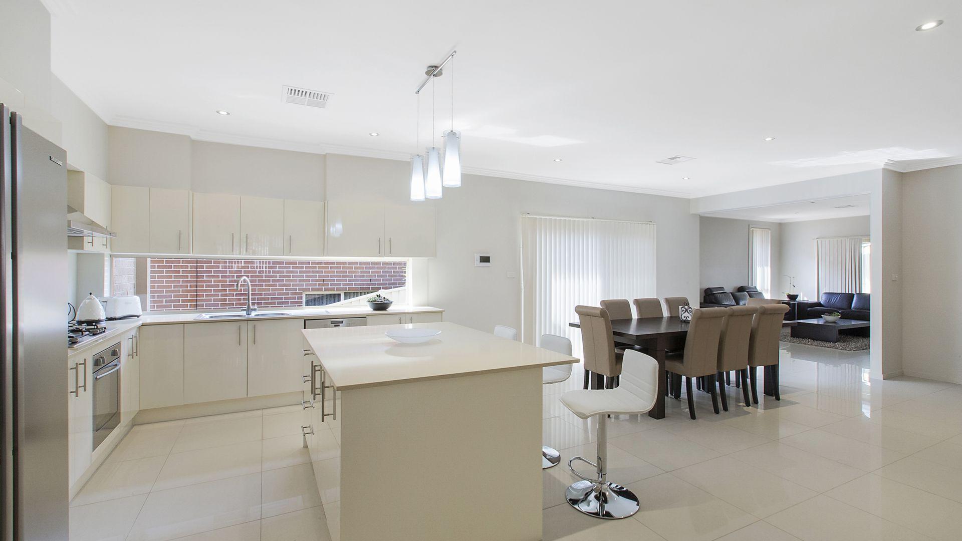 5 Brearley Avenue, Middleton Grange NSW 2171, Image 1