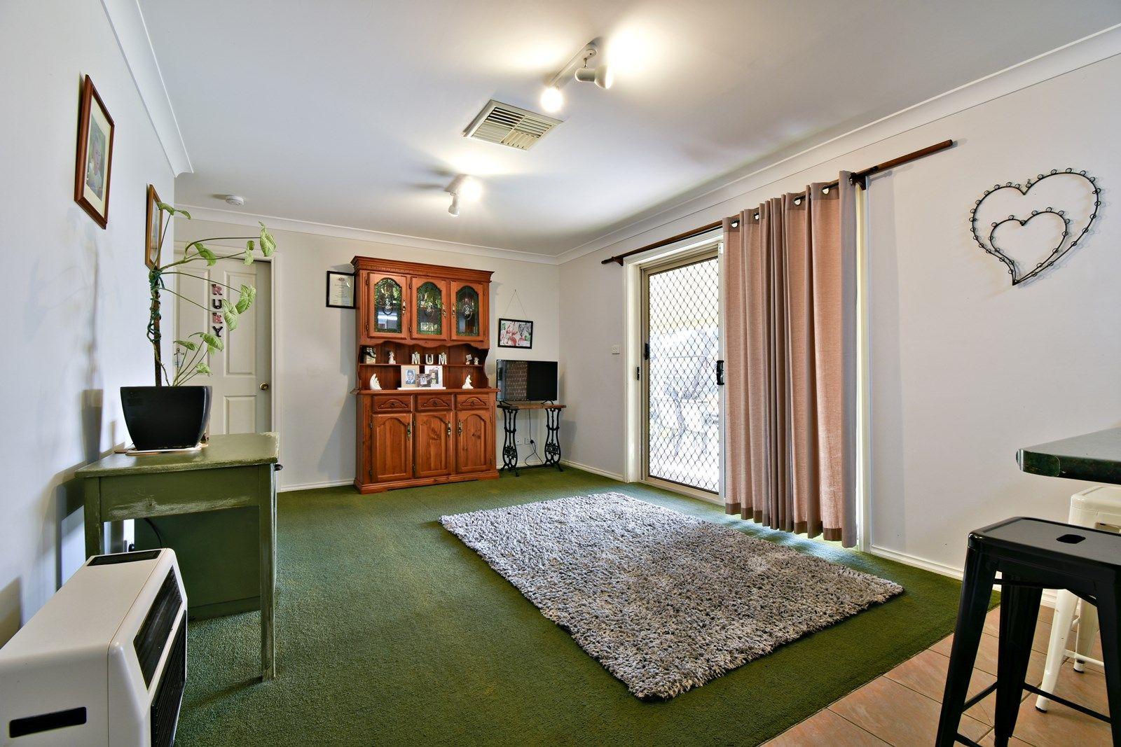 68 Murrayfield Drive, Dubbo NSW 2830, Image 2