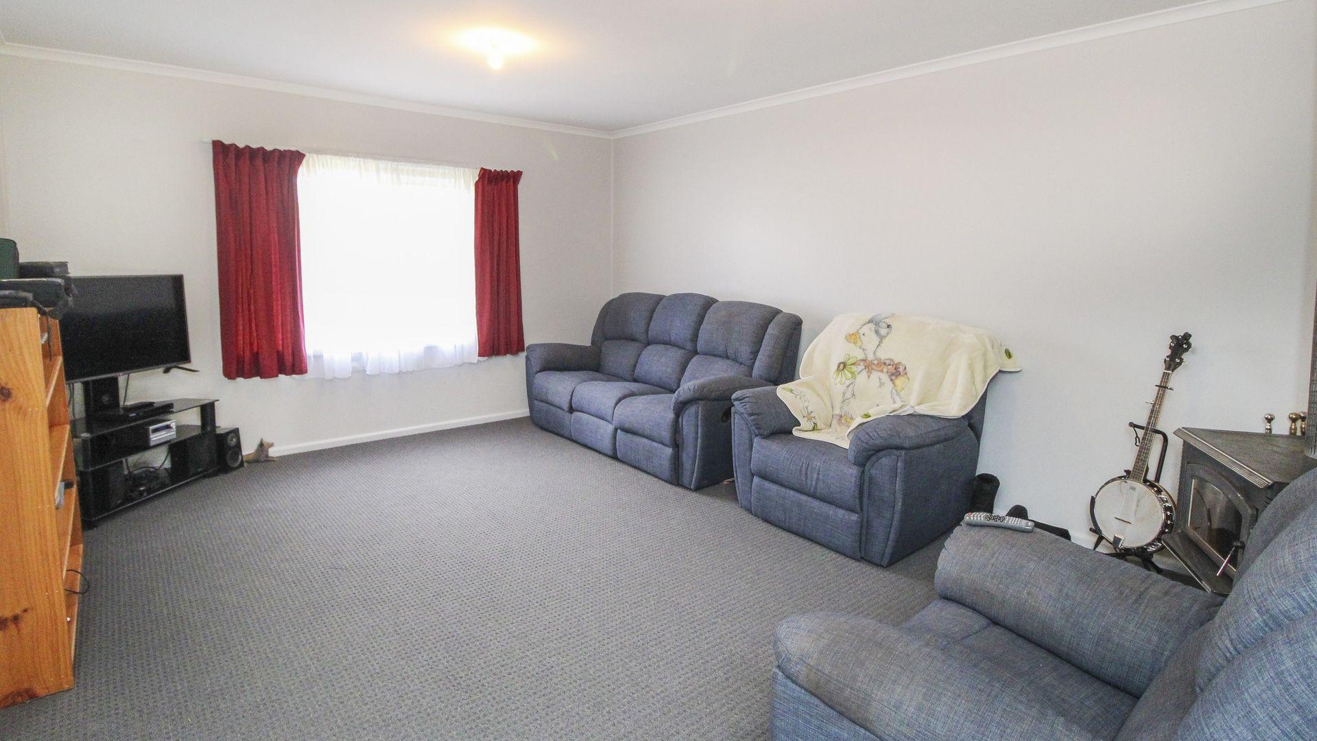 12 Stipa Street, Goolgowi NSW 2652, Image 1