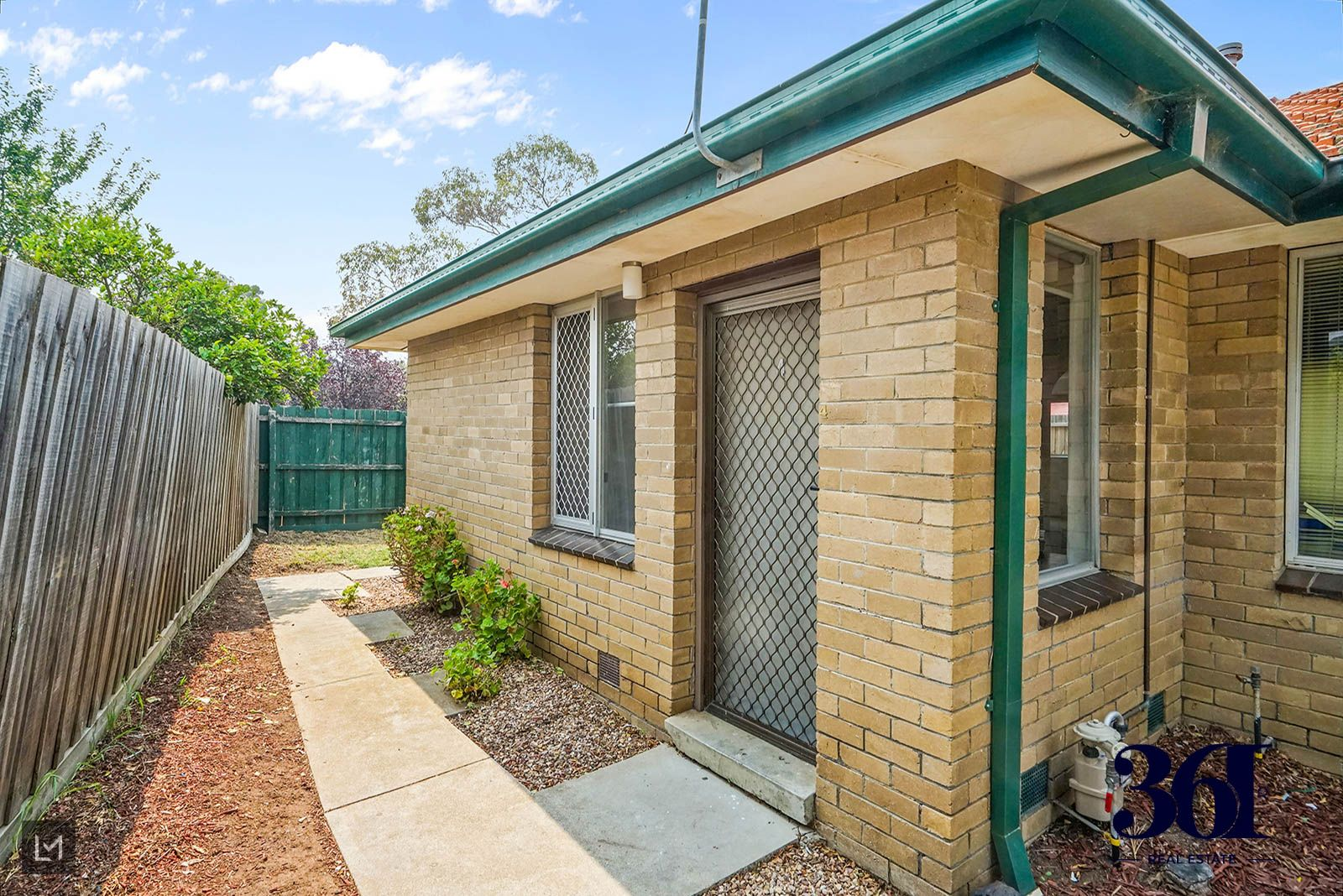 4/20 STRATHMORE CRESCENT, Hoppers Crossing VIC 3029, Image 2