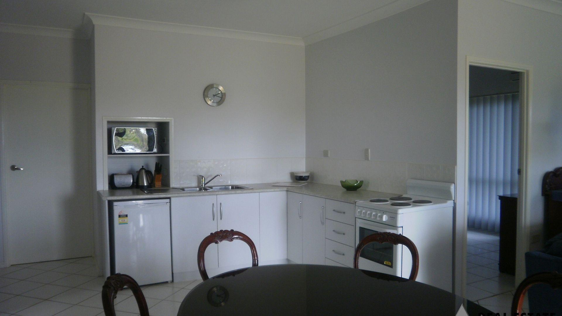 4 Quartz, Sapphire QLD 4702, Image 2