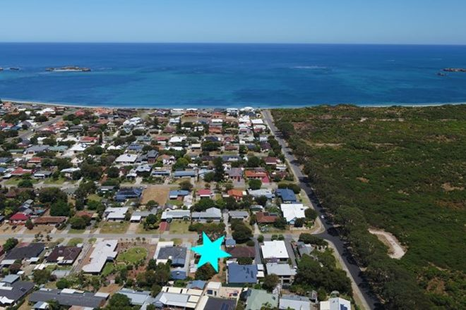 Picture of 8 First Ave, SHOALWATER WA 6169