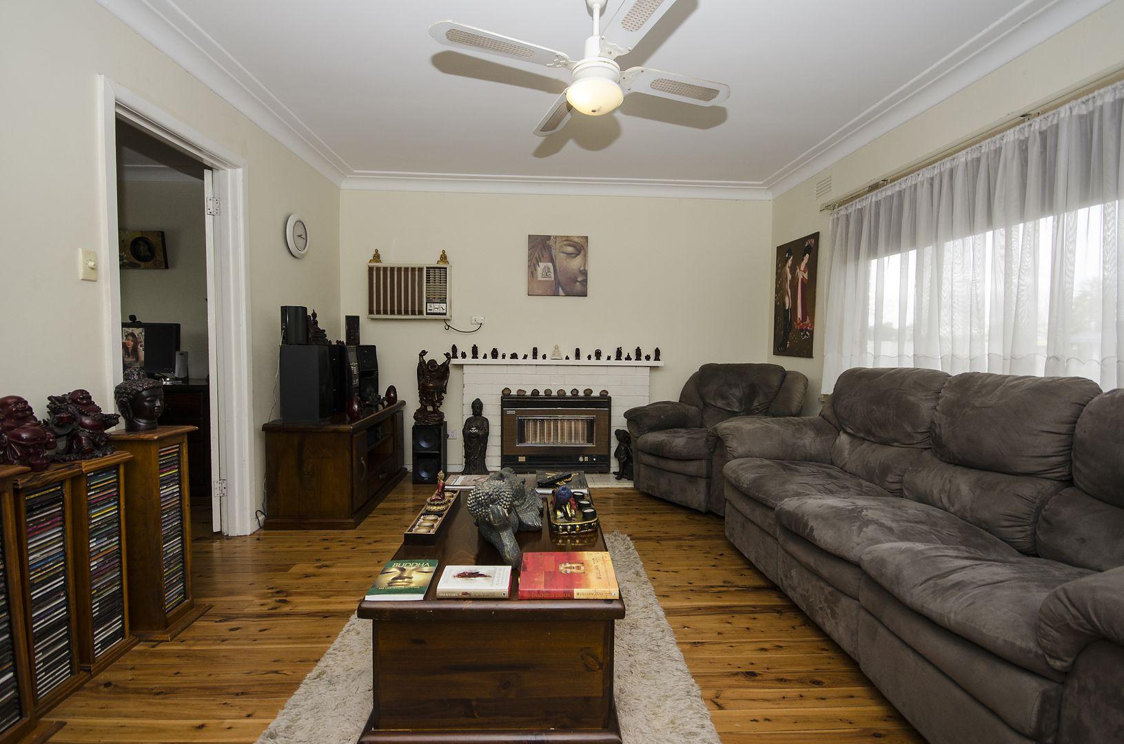 348 Urana Road, Lavington NSW 2641, Image 2