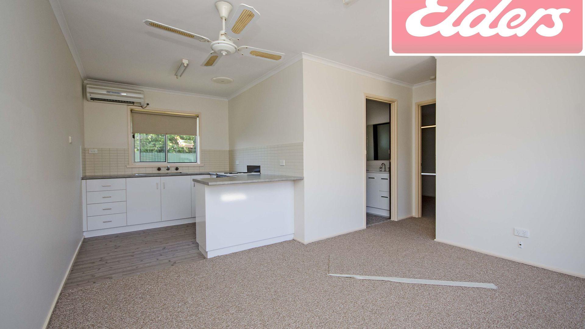 1/464 Henderson Street, Lavington NSW 2641, Image 1