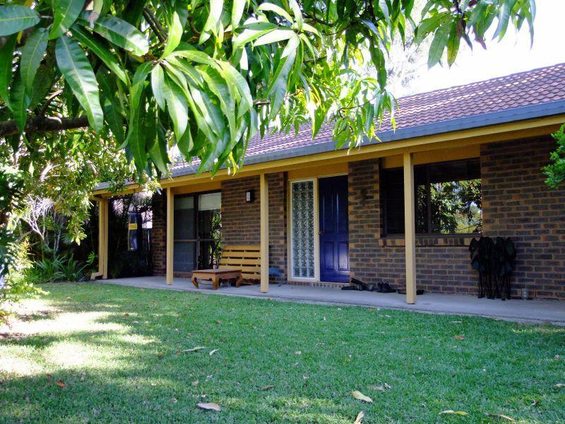 6 Kenevi Close, Riverhills QLD 4074, Image 0