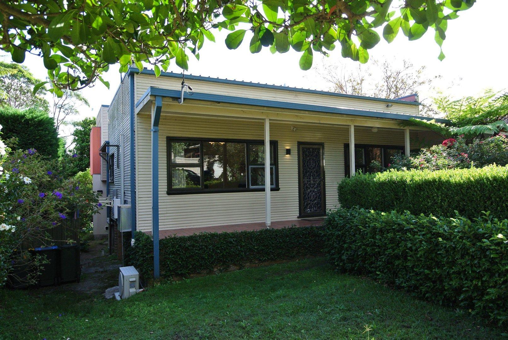 3 Vines Avenue, Forestville NSW 2087, Image 0