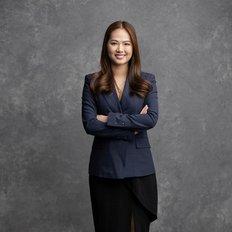 Anna Le, Sales representative