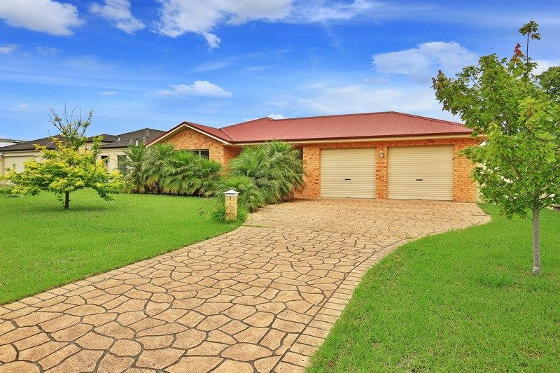 19 Golden Grove, Worrigee NSW 2540, Image 0