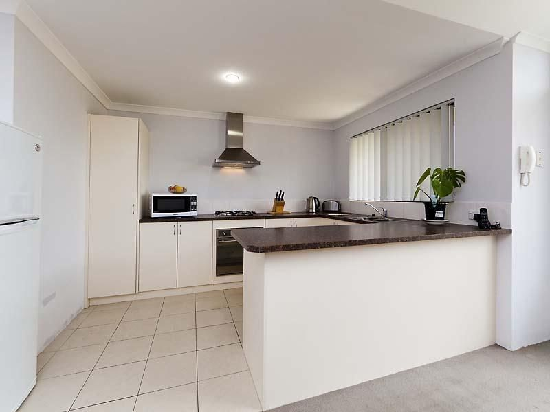 Unit 4/25 Abbey Rd, Armadale WA 6112, Image 1