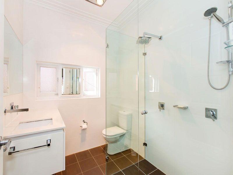 6 Carinya Avenue, Brighton-Le-Sands NSW 2216, Image 2