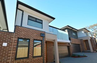 Picture of 2/18 Leura Street, Doncaster East VIC 3109
