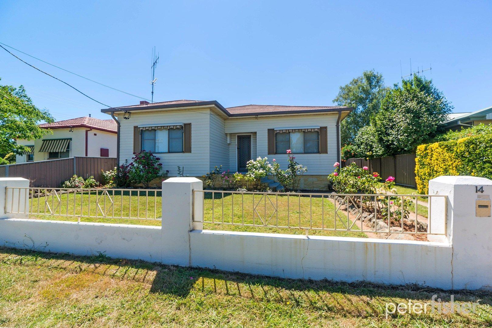 14 Kearneys Drive, Orange NSW 2800, Image 0