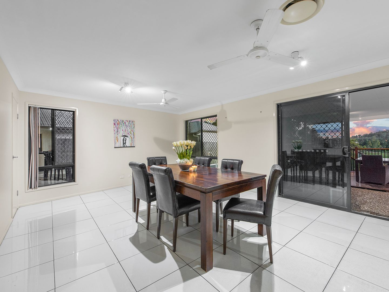 14 Copmanhurst Place, Sumner QLD 4074, Image 2
