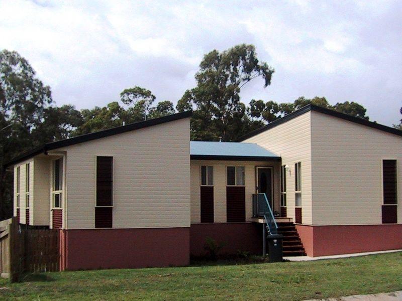 32 PRYDE STREET, Tannum Sands QLD 4680, Image 0