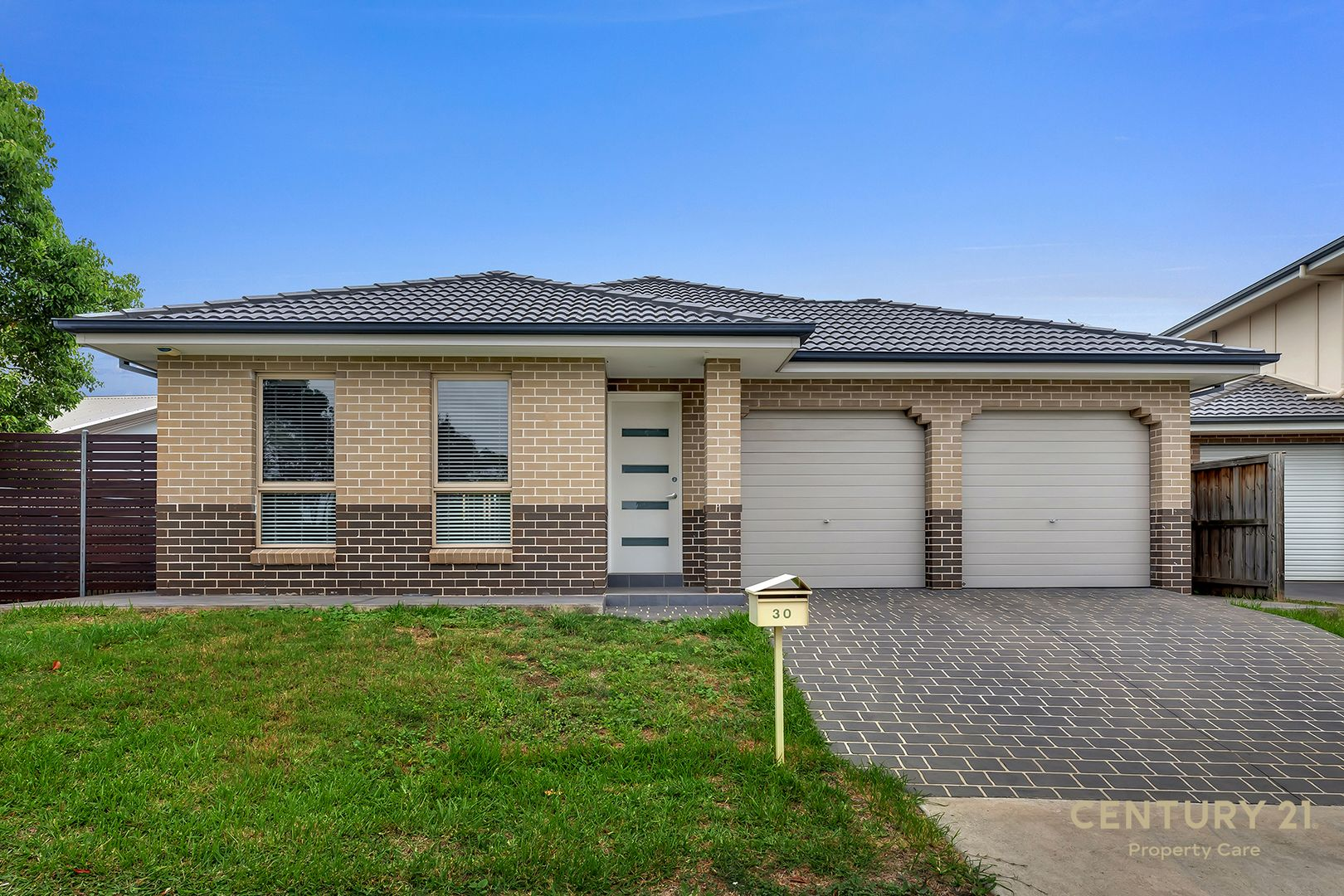 30 Tottenham place, Glenfield NSW 2167, Image 0