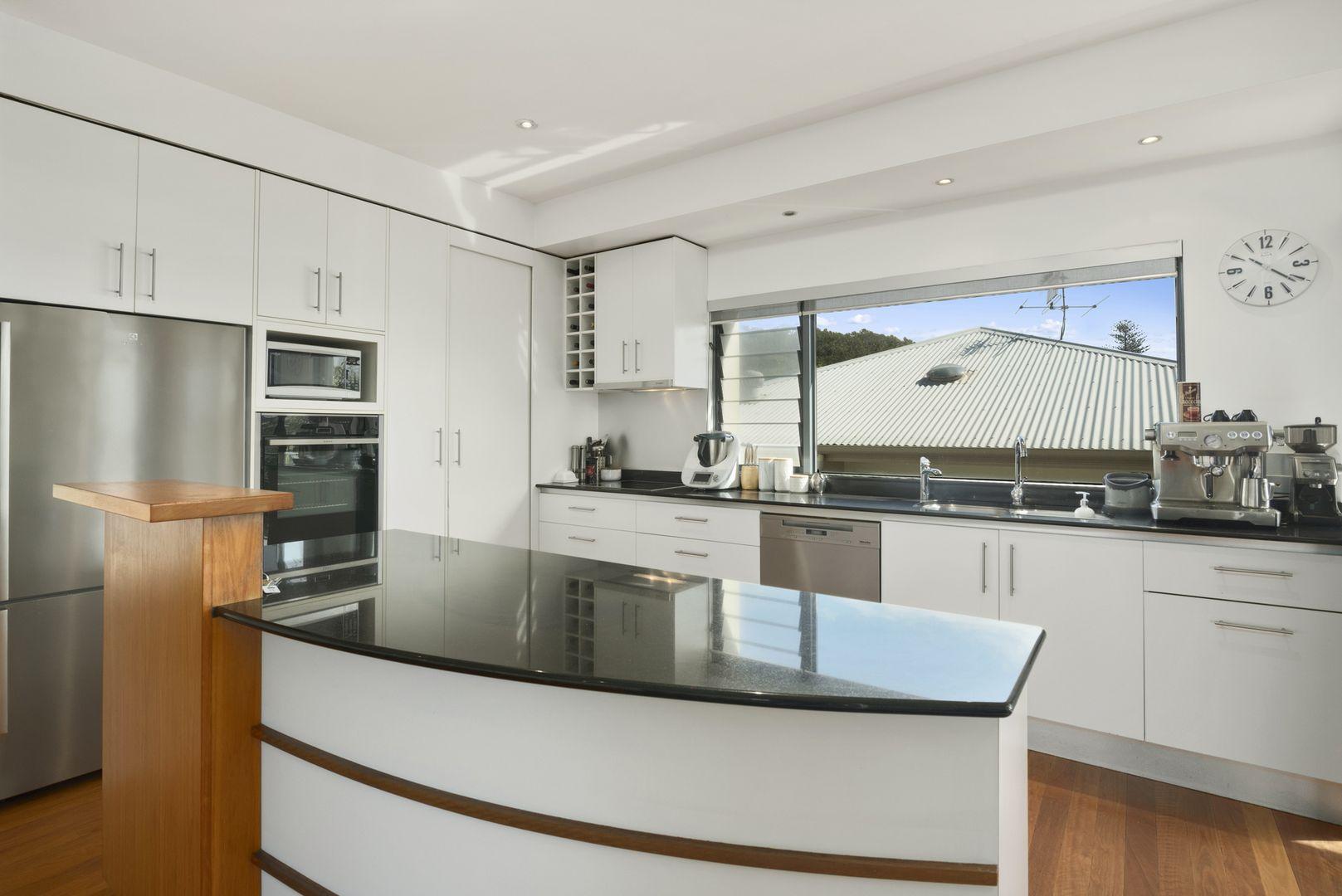 1/67 Woodgee Street, Currumbin QLD 4223, Image 2