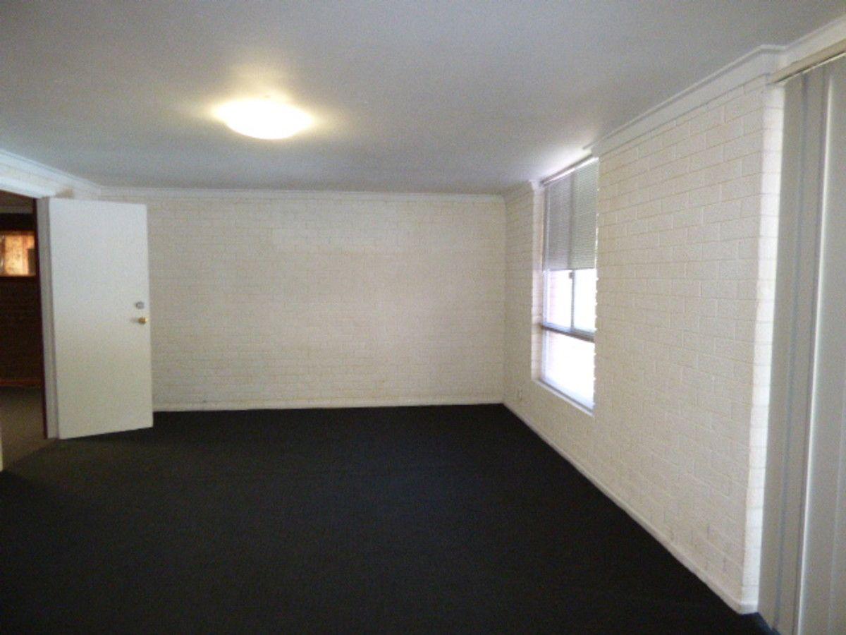 14 Rodinga Close, Rossmoyne WA 6148, Image 2