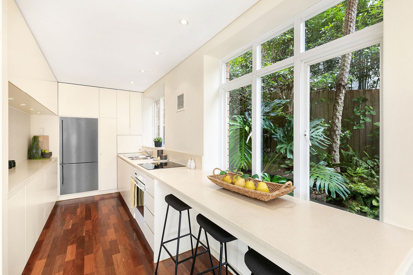 1/37 The Boulevarde, Cammeray NSW 2062, Image 2