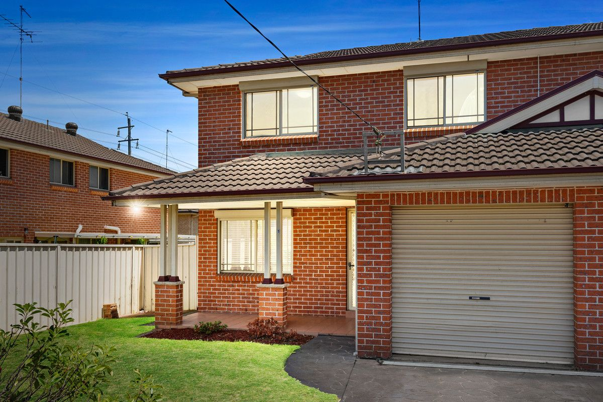1/303 Macquarie Street, South Windsor NSW 2756, Image 0