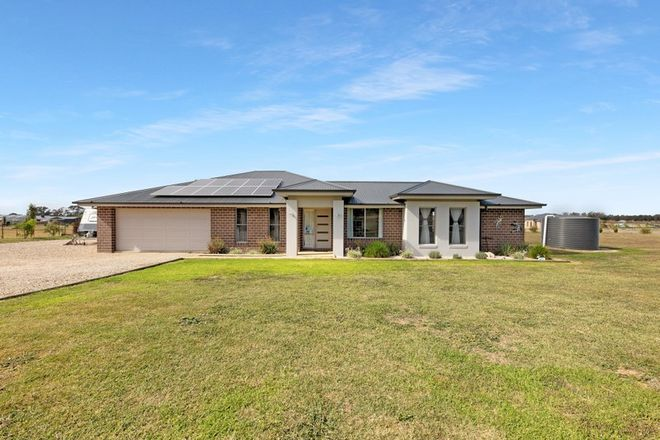 Picture of 40 Nashs Rd, RUTHERGLEN VIC 3685