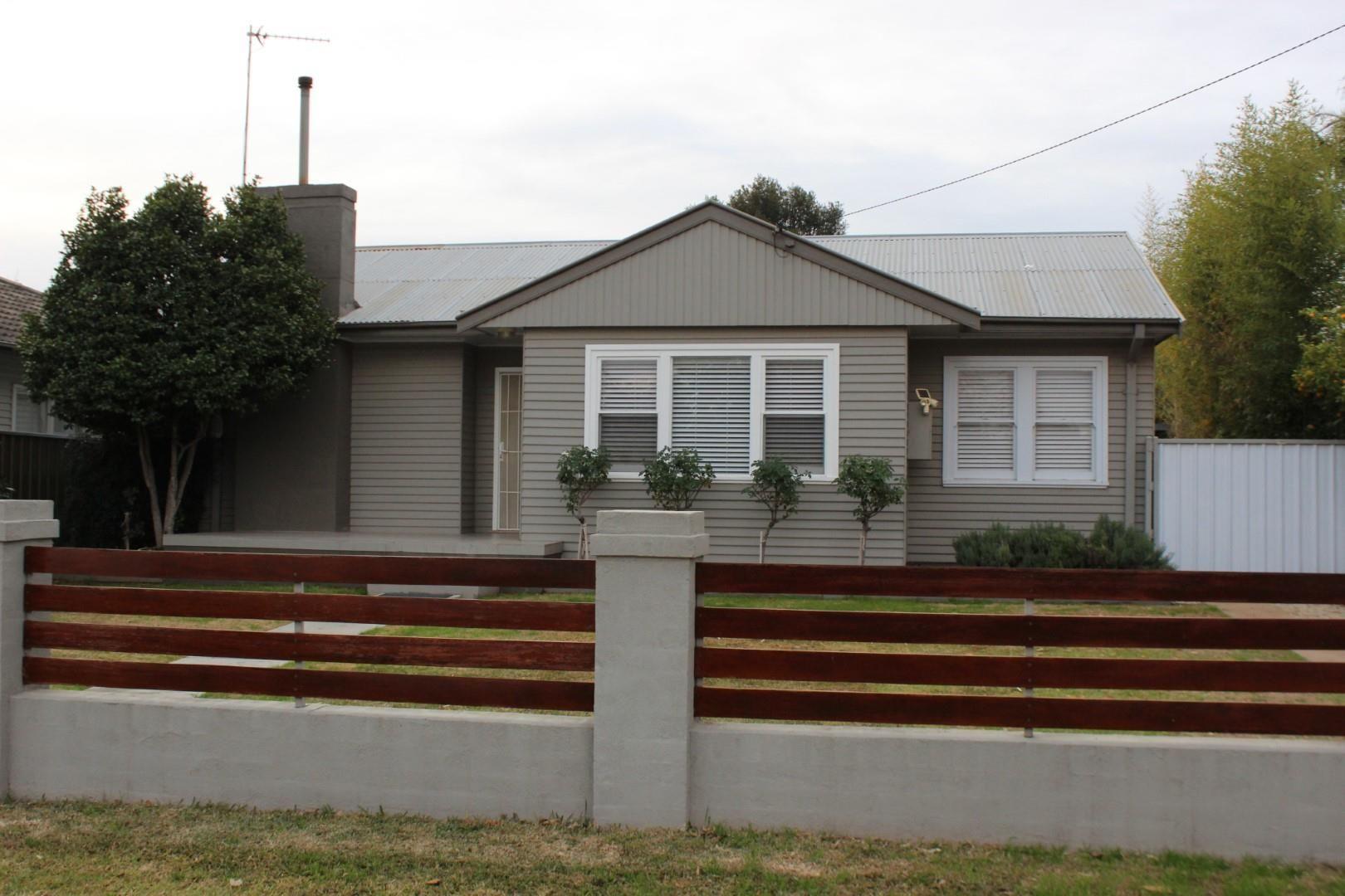 4 Sanderson Street, Dubbo NSW 2830, Image 0