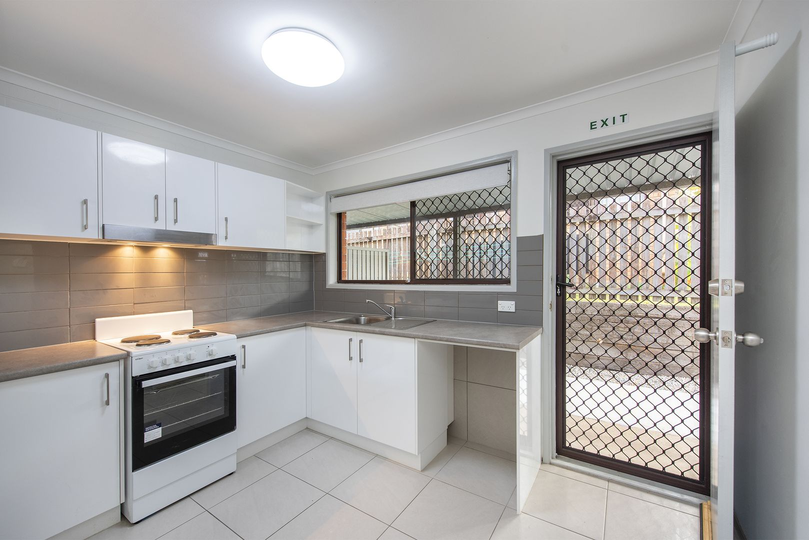 1/12 Heather Street, Logan Central QLD 4114, Image 0