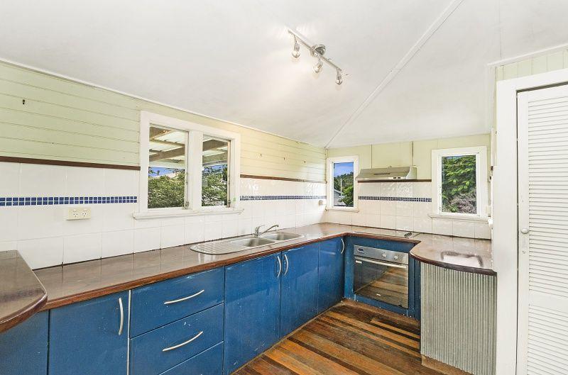 1/3 (3a) Barron Street, West End QLD 4810, Image 1