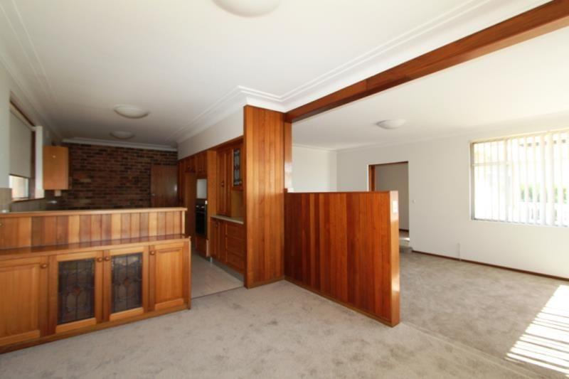 43 Craigholm Street, Sylvania NSW 2224, Image 2