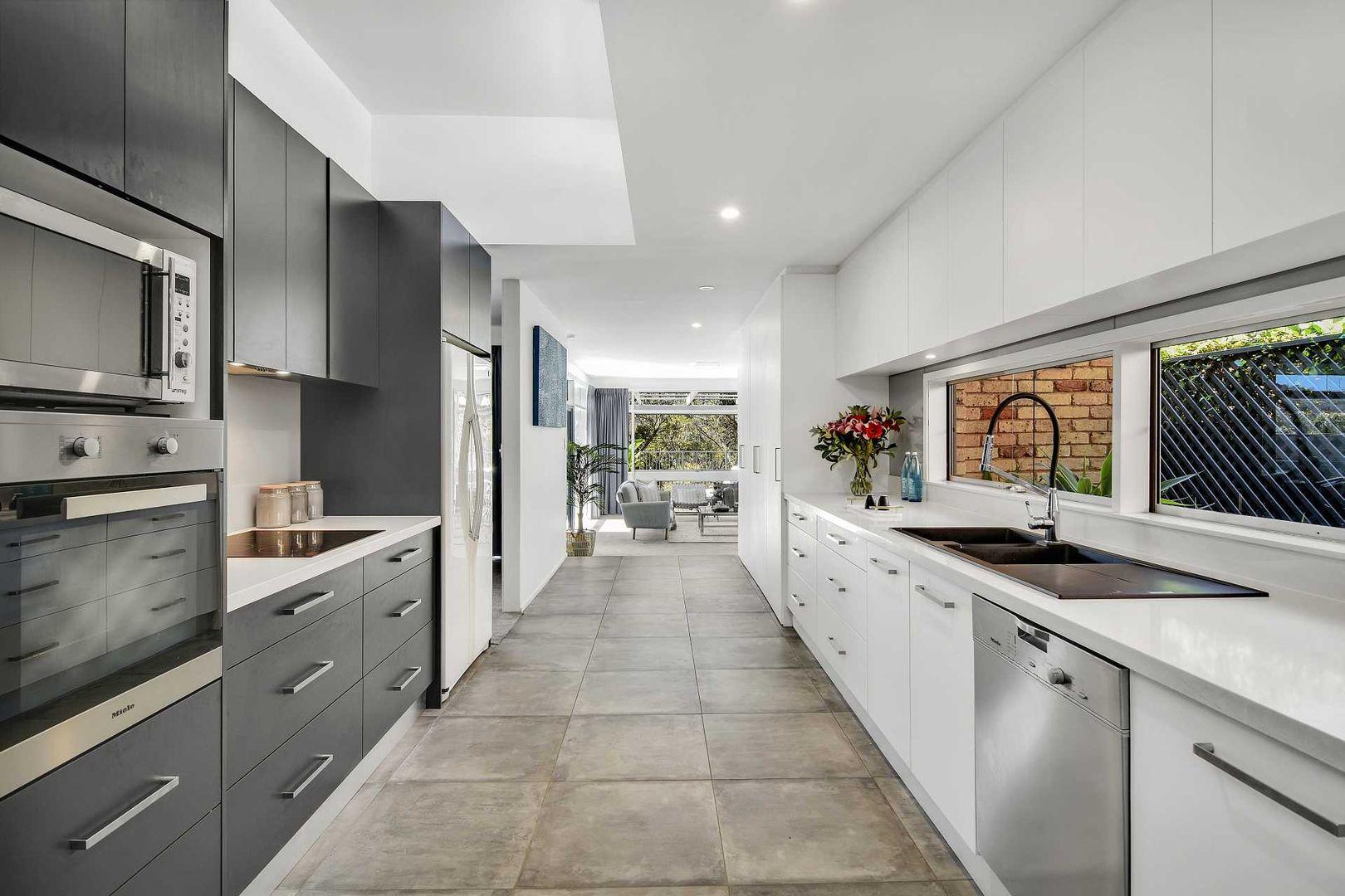 12 Athlone Crescent, Killarney Heights NSW 2087, Image 0