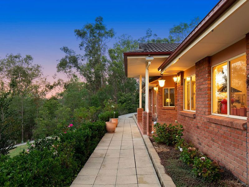 154 Airlie Road, Pullenvale QLD 4069, Image 2