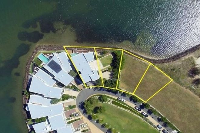 Picture of Lots 15,16 & 17 Ephraim Island Parade, PARADISE POINT QLD 4216