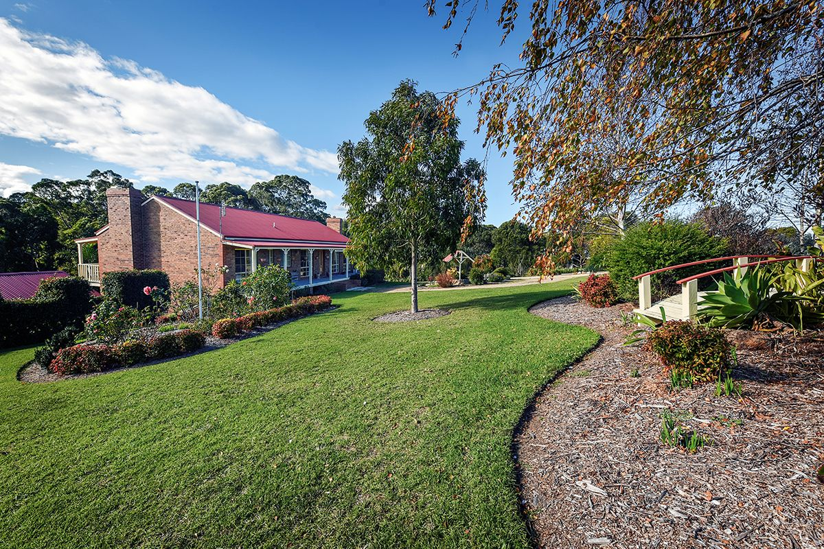 24 Tranquil Court, Lakes Entrance VIC 3909, Image 0