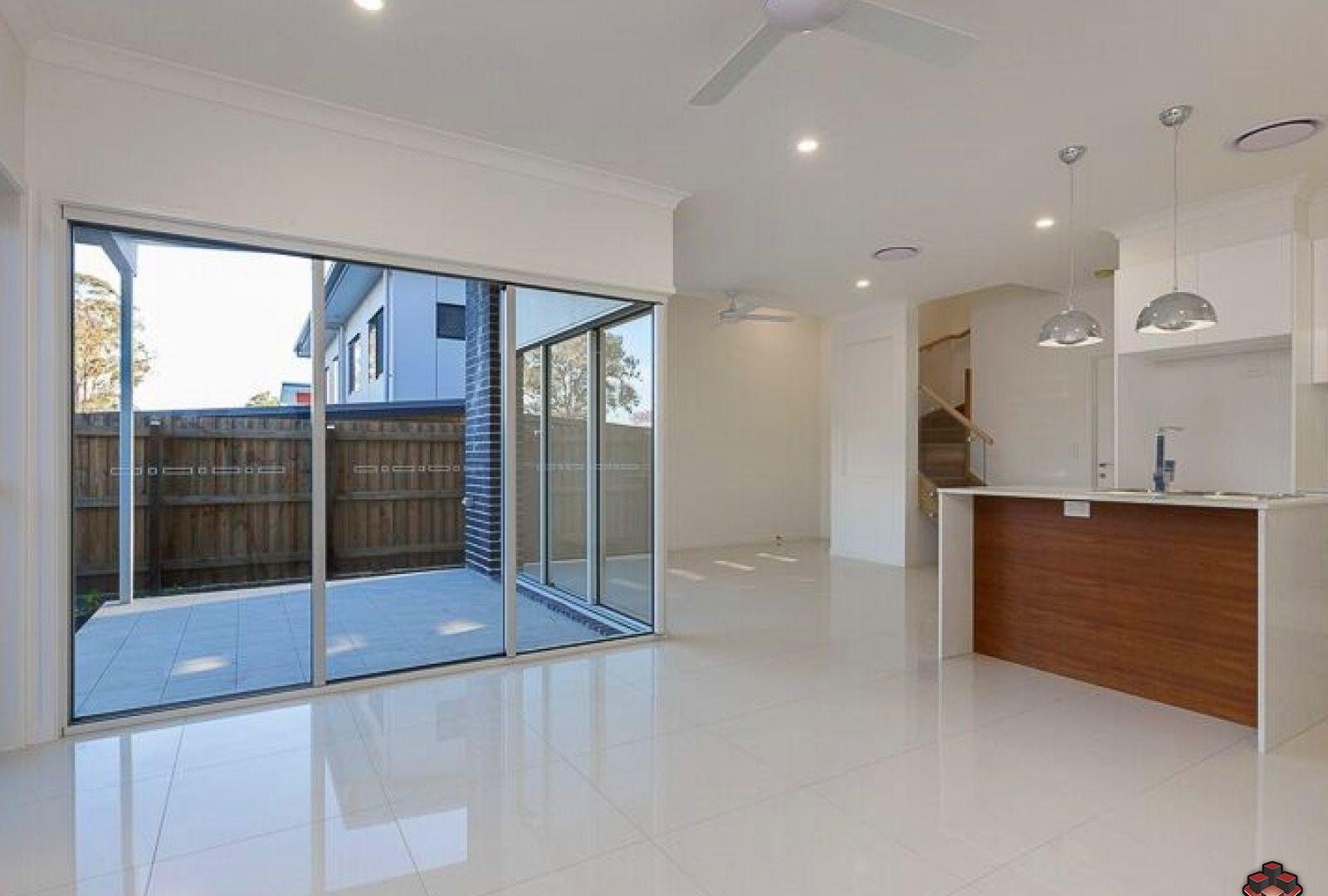 70 Warringah Street, Everton Park QLD 4053, Image 2