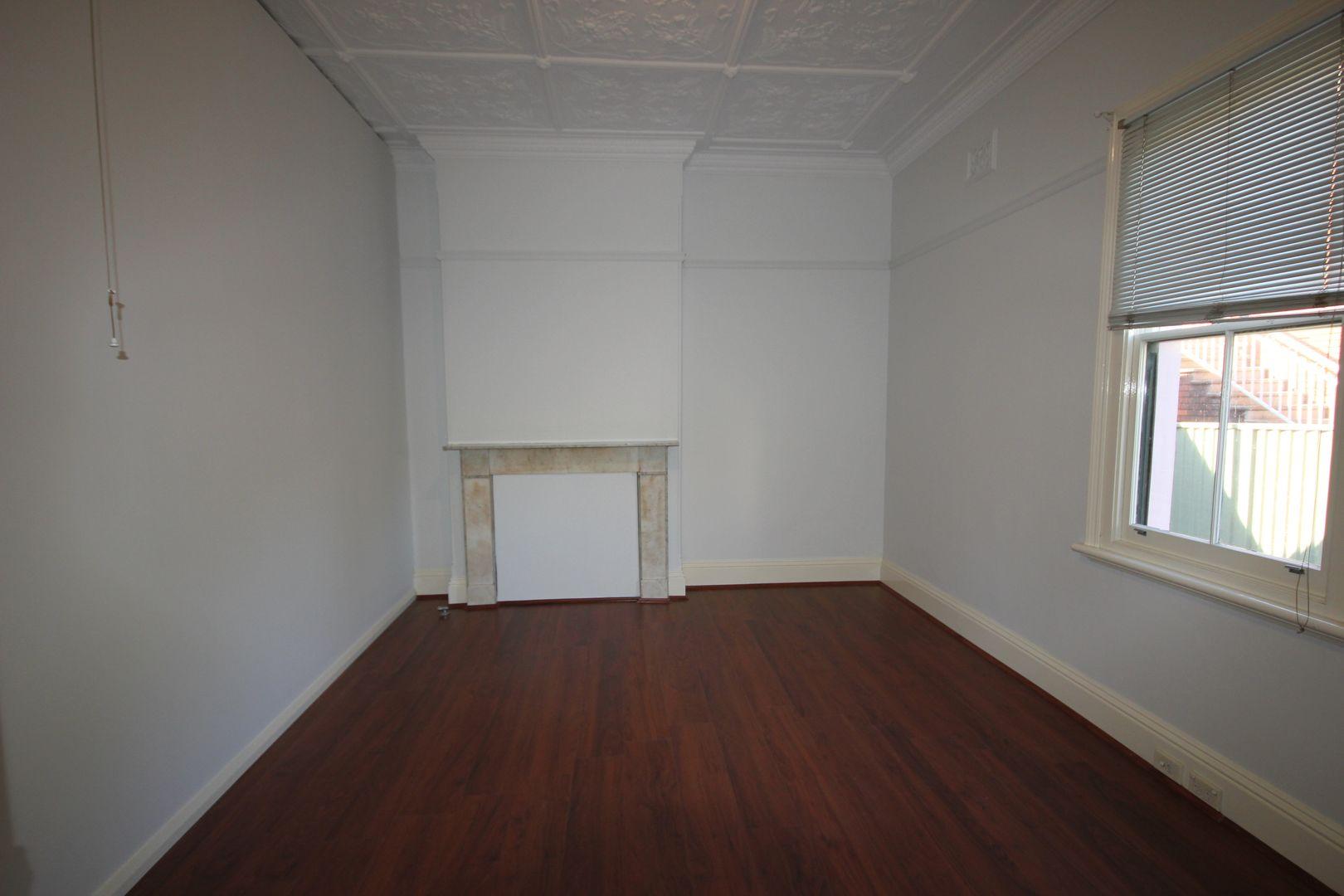 4 Queens Avenue, Kogarah NSW 2217, Image 2