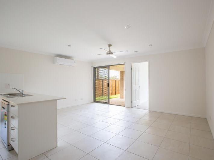 1/23 Burnley Road, Park Ridge QLD 4125, Image 2