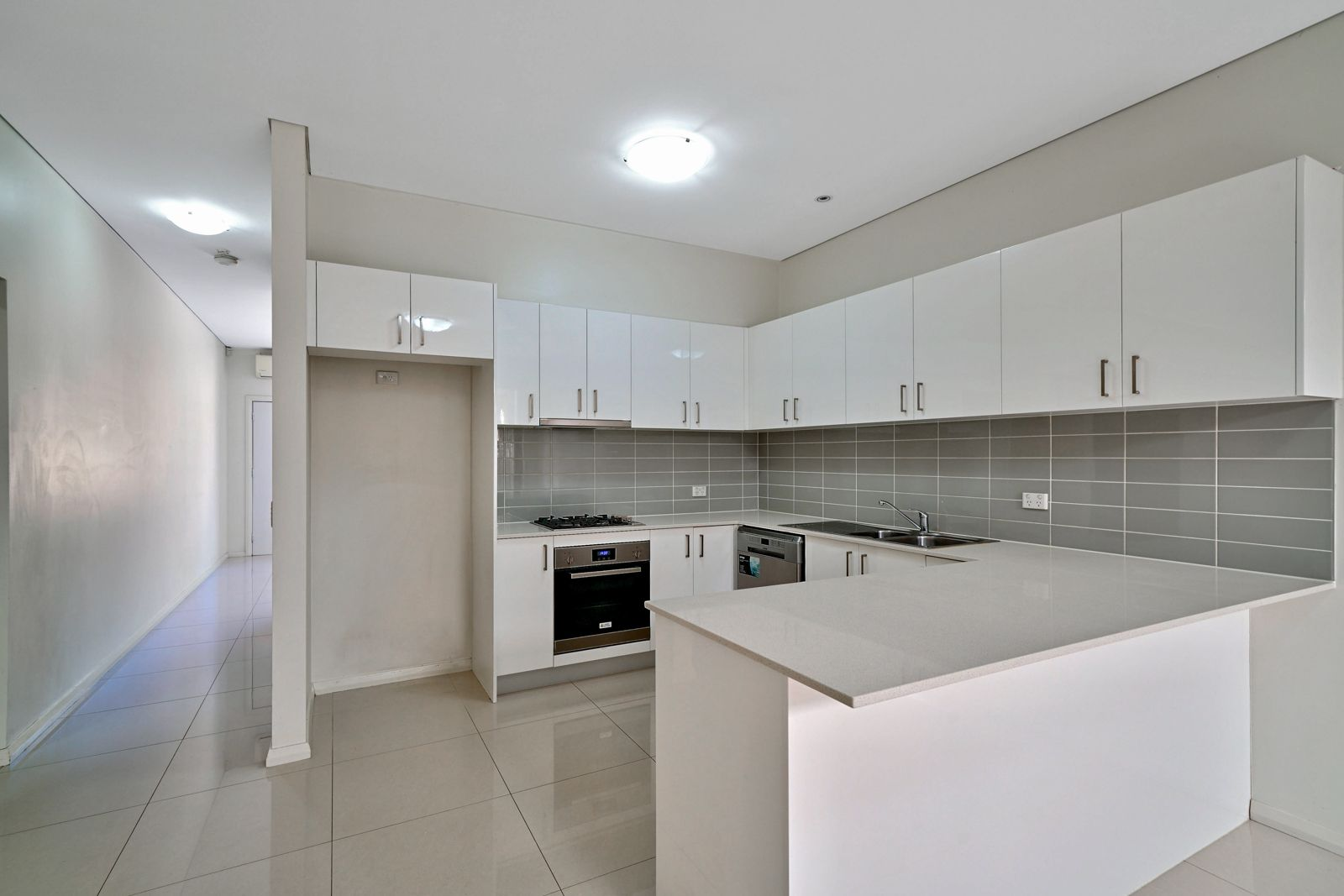 5/221A Waterworth Drive, Mount Annan NSW 2567, Image 1